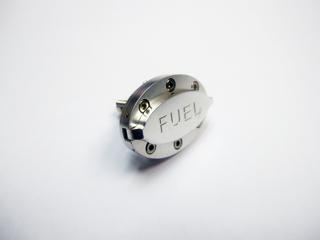 Aluminum Fuel Nozzle Hull Mounting Type With Magnetic Cap